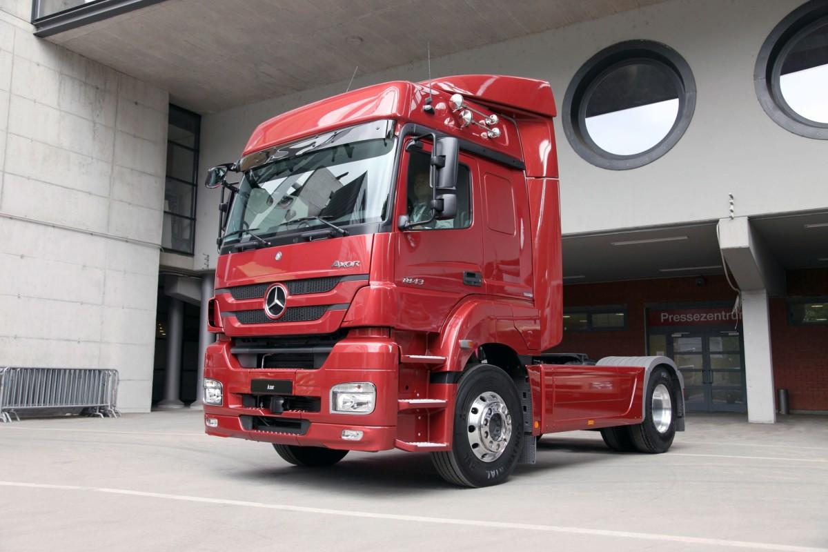 Седельные тягачи Mercedes