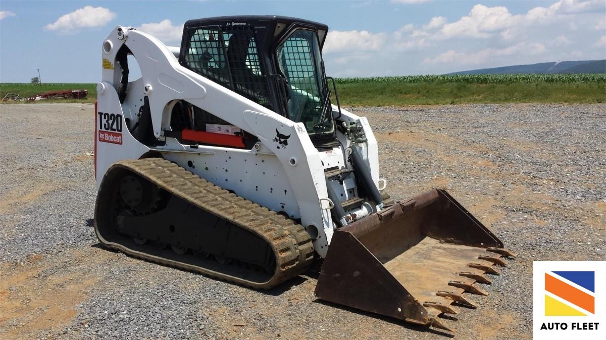 Bobcat -t320 малогабаритный погрузчик