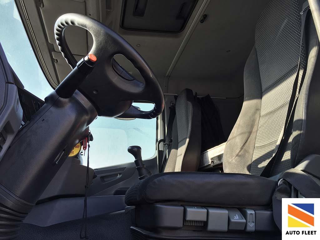 Mercedes Axor 1835LS седельный тягач