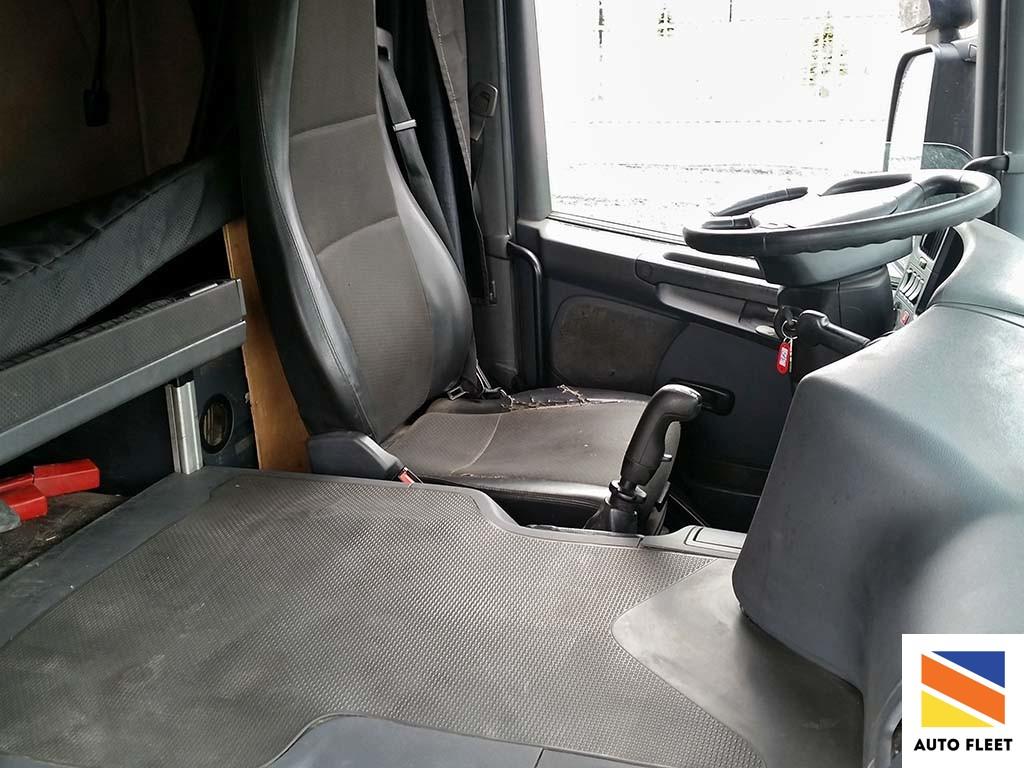 Scania P 340 LA4X2HNA Тягач
