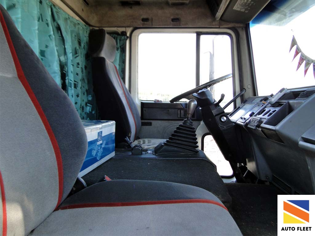 Грузовик борт-тент VOLVO FL6 Turbo 4х2