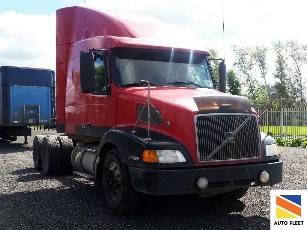 9849 Volvo VNL грузовой седельный тягач