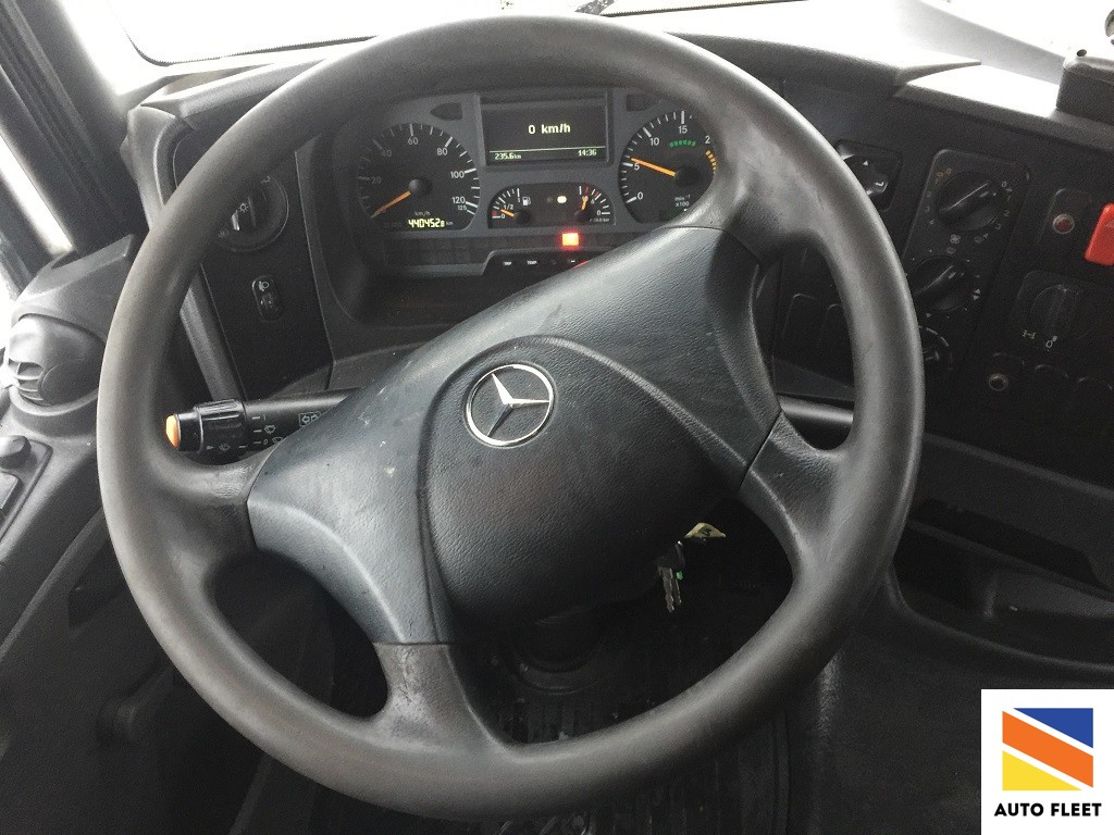Грузовик Mercedes